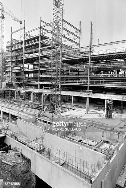 Picture taken 12 November 1985 in Paris of the construction site of the Arab World Institute designed by French architect Jean Nouvel The Institut du...