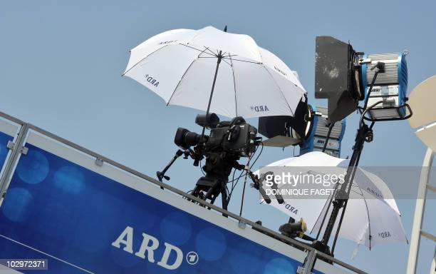 Picture taken 18 July 2007 in Marseille of a German television ARD station TV set on a roof of the media truck during the tenth stage of the 94th...
