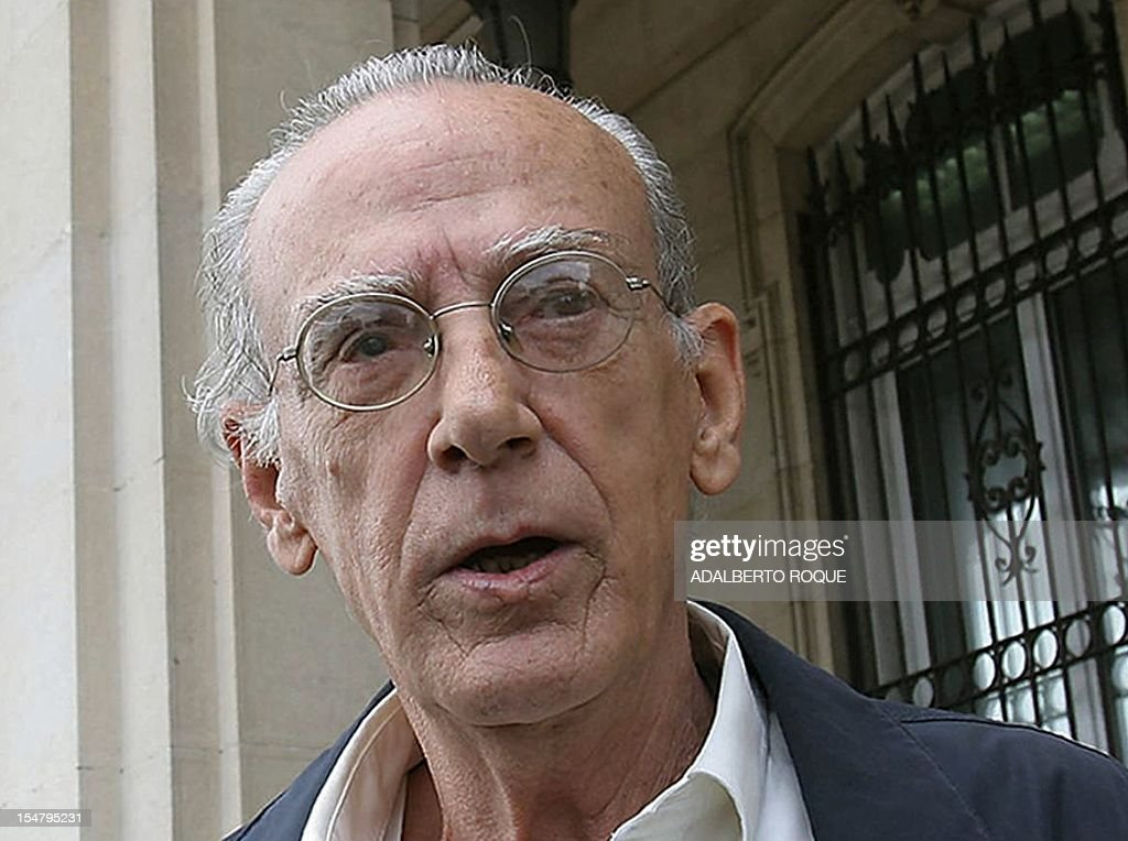 Picture taken in 2005 of Cuban oppositionist Eloy Gutierrez Menoyo. Menoyo, a Fidel Castro's rebel commander in 1959 who became a dissident a few years later, died on October 26, 2012 in Havana at age 77. Jailed by Fidel Castro for 22 years, upon released Menoyo lived in Spain and Miami as President of the Cambio Cubano opposition group. In 2003 he returned to Cuba as undocumented till the end of his life keeping a low profile as dissident. AFP PHOTO/Adalberto ROQUE