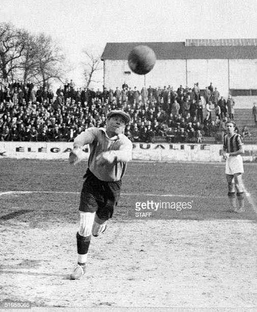 Picture taken in the mid '30s of Spanish goalkeeper Ricardo Zamora who played for Espanyol de Barcelona FC Barcelona and Real Madrid Zamora won 2...