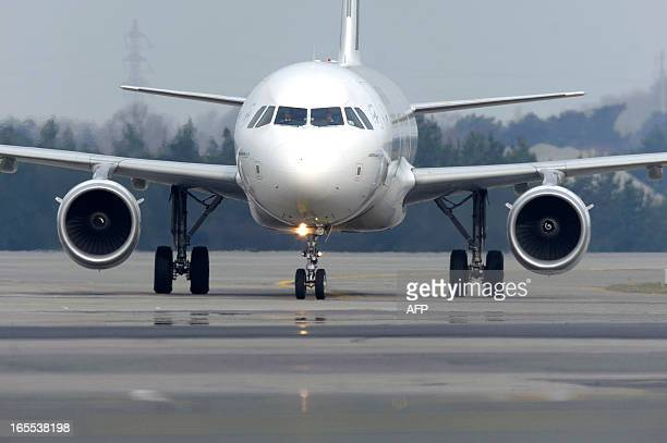 Picture taken on April 2 2013 shows a taxiing aircraft at the NantesAtlantique airport in Bouguenais western France A project of a new international...