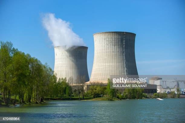 Picture taken on April 20 2015 shows cooling towers of the nuclear power plant of SaintLaurentdesEaux in SaintLaurentNouan central France AFP PHOTO /...
