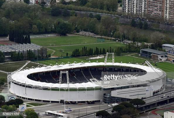 A picture taken on April 27 2016 shows an aerial view of the Toulouse municipal Stadium / AFP / EUROLUFTBILD / Robert Grahn