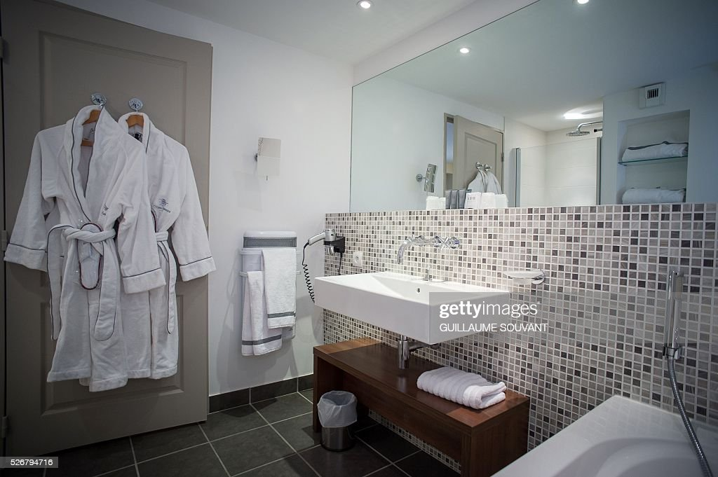 A picture taken on April 29, 2016 in Tours, central France, shows a bathroom at the Chateau de Belmont hotel, which will host the Czech national football team during the Euro 2016 football championships. / AFP / GUILLAUME