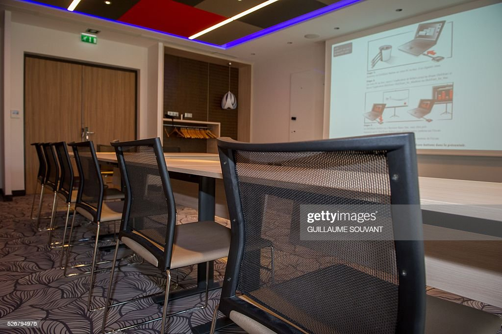A picture taken on April 29, 2016 in Tours, central France, shows a conference room at the Chateau de Belmont hotel, which will host the Czech national football team during the Euro 2016 football championships. / AFP / GUILLAUME