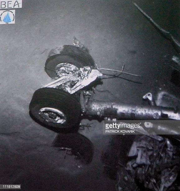 A picture taken on April 4 2011 in Le Bourget outside Paris during a press conference by France's Bureau of Investigation and Analysis shows undersea...