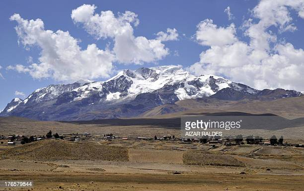 Picture taken on August 15 2013 of the community of Frasquia 4050 metres above sea level on the foothills of the Illampu snowcapped mountain in the...
