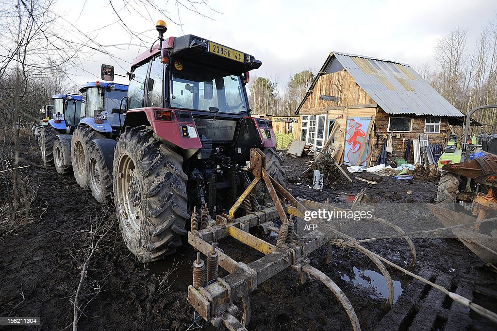 Picture taken on December 11, 2012 in Notre-Dame-des-Landes shows shacks built by opponents to an international airport project within the ZAD ('Zone d'Aménagement Différé') a zone reserved for the later development of the project. The vast stretch of woodland outside the tiny village of Notre-Dame-des-Landes is now Europe's biggest open air squat, according to the local police chief.