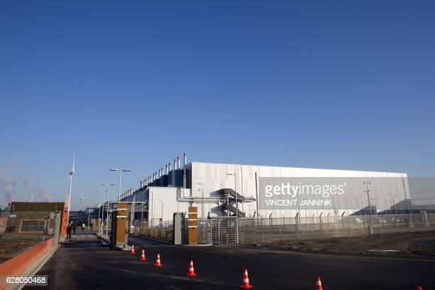 A picture taken on December 6 2016 shows the new Google data center in Eemshaven near Groningen / AFP / ANP / Vincent JANNINK / Netherlands OUT