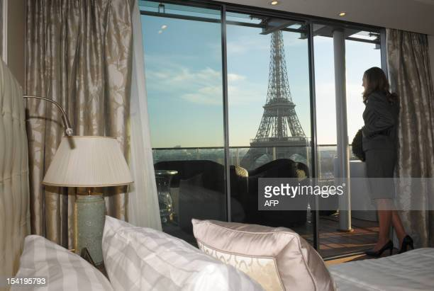 Shangri La Hotel Stock Photos And Pictures Getty Images