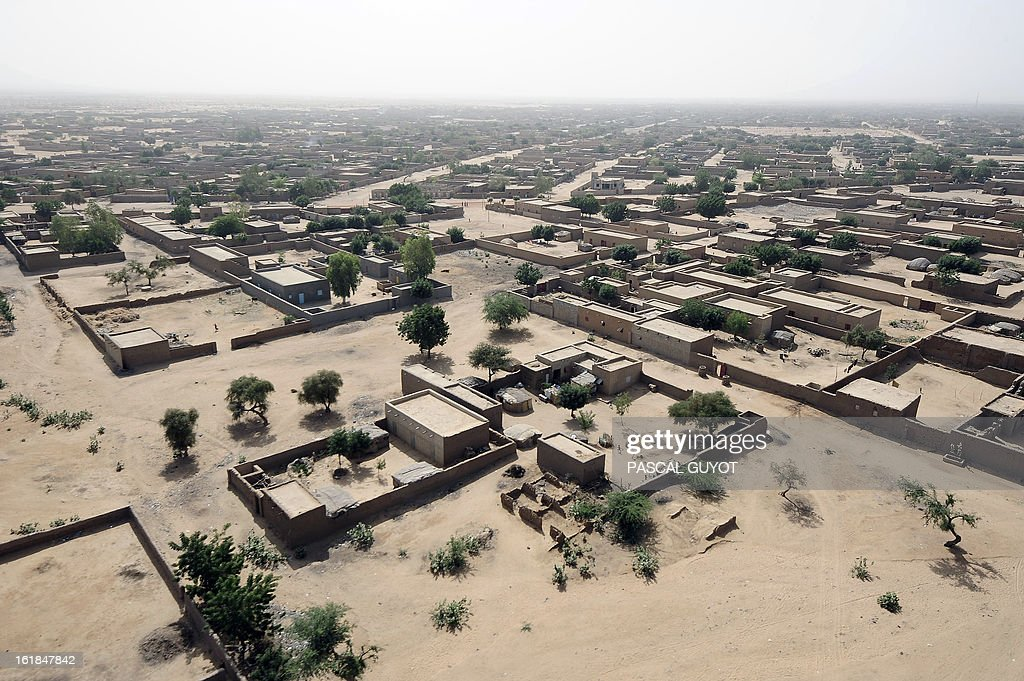 A picture taken on February 17, 2013 shows an aerial view of Gao, northern Mali. Leaders in Africa's Sahel region called on Saturday for further efforts to support Mali as they announced new funds to back a West African force in the country. A French-led military intervention launched on January 11 has driven the Islamist rebels in Mali from the towns they controlled, but concerns remain over stability amid suicide attacks and guerrilla fighting. GUYOT
