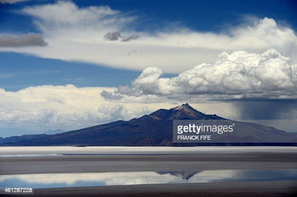 Picture taken on January 10 2015 shows the Salar de Uyuni the world's largest salt flat located in Bolivia near the crest of the Andes some 3650...