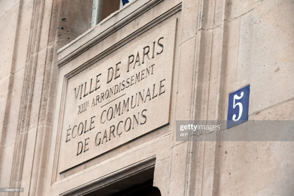 A picture taken on January 22, 2013 shows the frontdoor of a primary school in Paris, on the first day of a strike in Paris' schools called by French educational trade unions to protest against French Education Minister's project to turn back to a 4,5-day work-week for the 2013-2014 schoolyear.