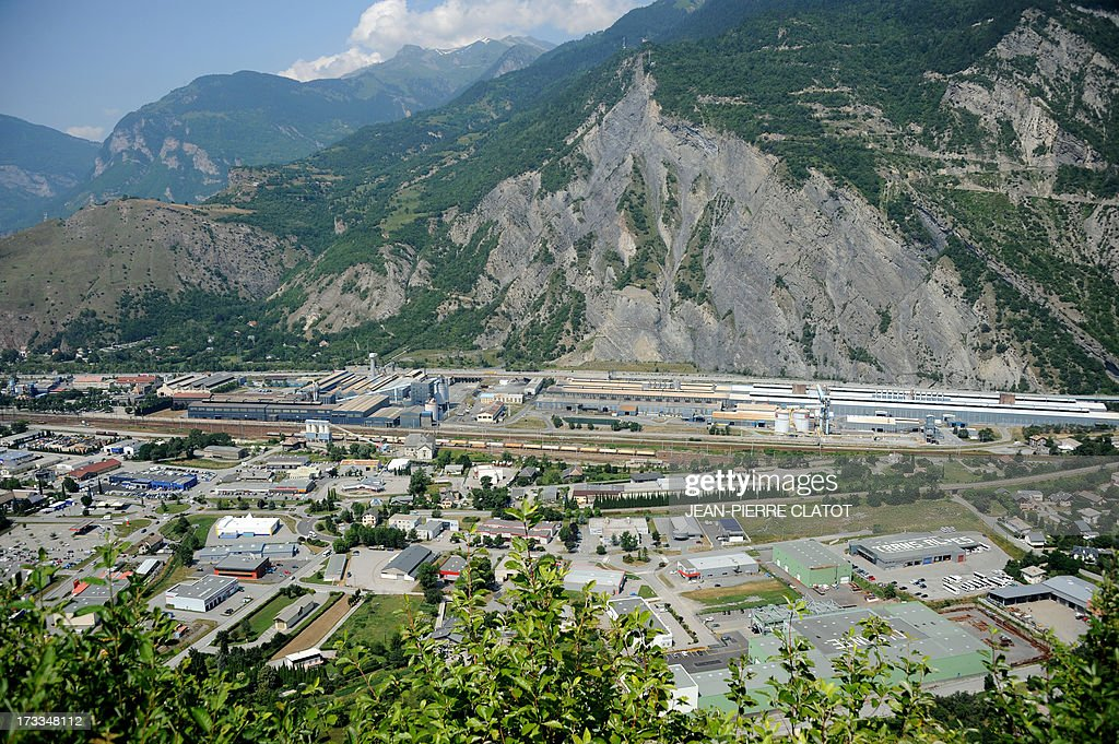 A picture taken on July 12, 2013 shows the Rio Tinto Alcan (RTA) aluminum factory in Saint-Jean-de-Maurienne, southeast of France. Heads of Rio Tinto Alcan and Germany's Trimet met today in Paris regarding the take over of RTA by Trimet which could save 510 jobs at the two sites of Saint-Jean-de-Maurienne and Castelsarrasin.