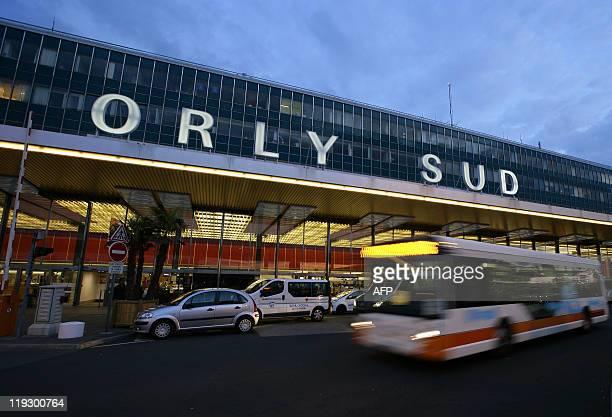 orly sud airport stock fotos und bilder getty images. Black Bedroom Furniture Sets. Home Design Ideas