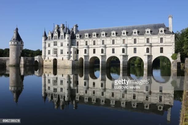 A picture taken on June 14 2017 shows the castle of Chenonceau on the Cher river in Chenonceaux / AFP PHOTO / LUDOVIC MARIN