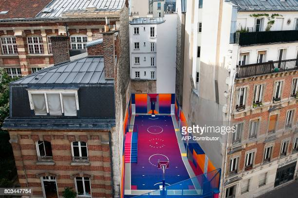 A picture taken on June 29 2017 shows a general view of the Duperre Pigalle playground in Paris / AFP PHOTO / Benjamin Cremel
