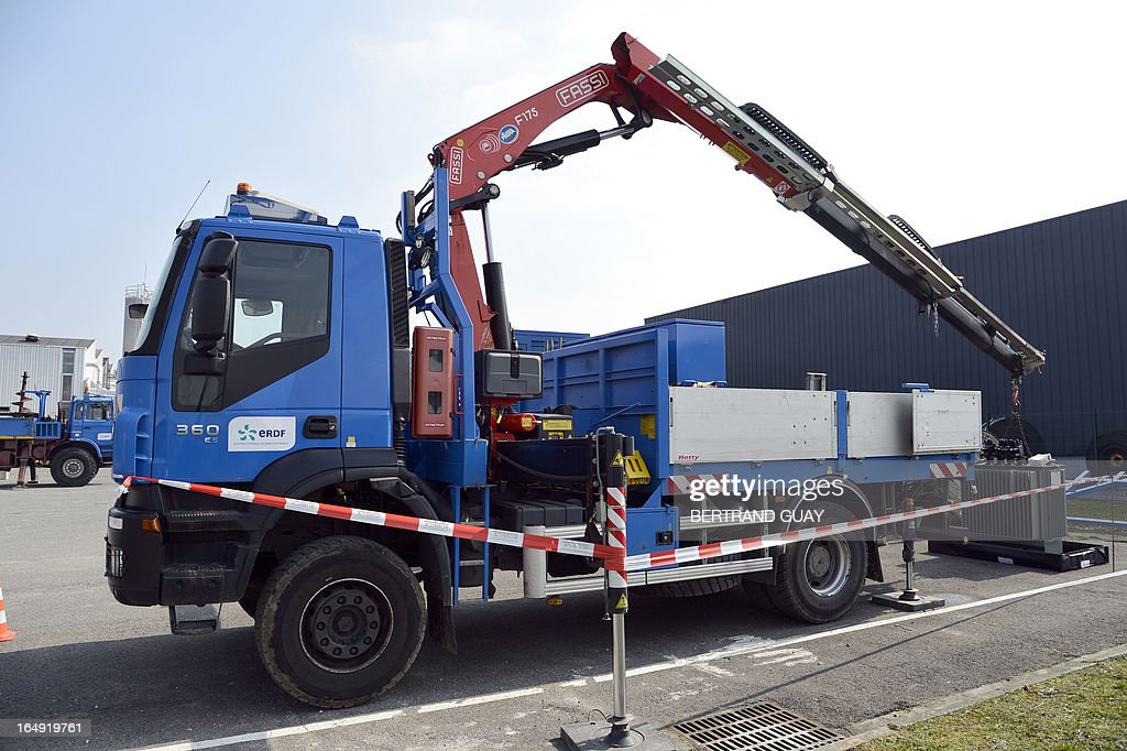 A picture taken on March 29, 2013 shows a bucket truck at the site of ERDF (Electricity Network Distribution France) in Saint-Ouen-l'Aumone, near Paris.