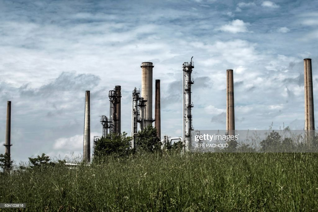 Picture taken on May 25, 2016 shows the Total refinery of Feyzin. France has been using strategic fuel reserves for two days in the face of widespread blockades of oil depots by union activists, the head of the oil industry federation said on May 25, 2016. PACHOUD