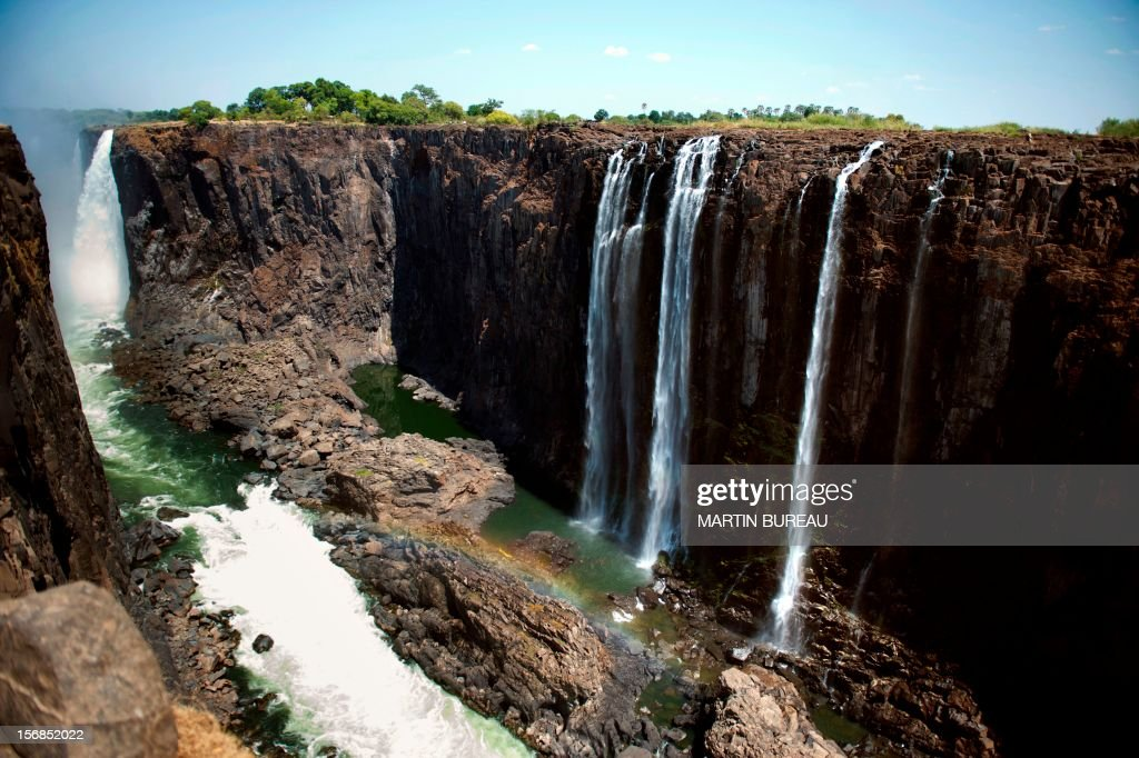 Picture taken on November 20, 2012, shows the Victoria Falls in Zimbabwe. AFP PHOTO MARTIN BUREAU