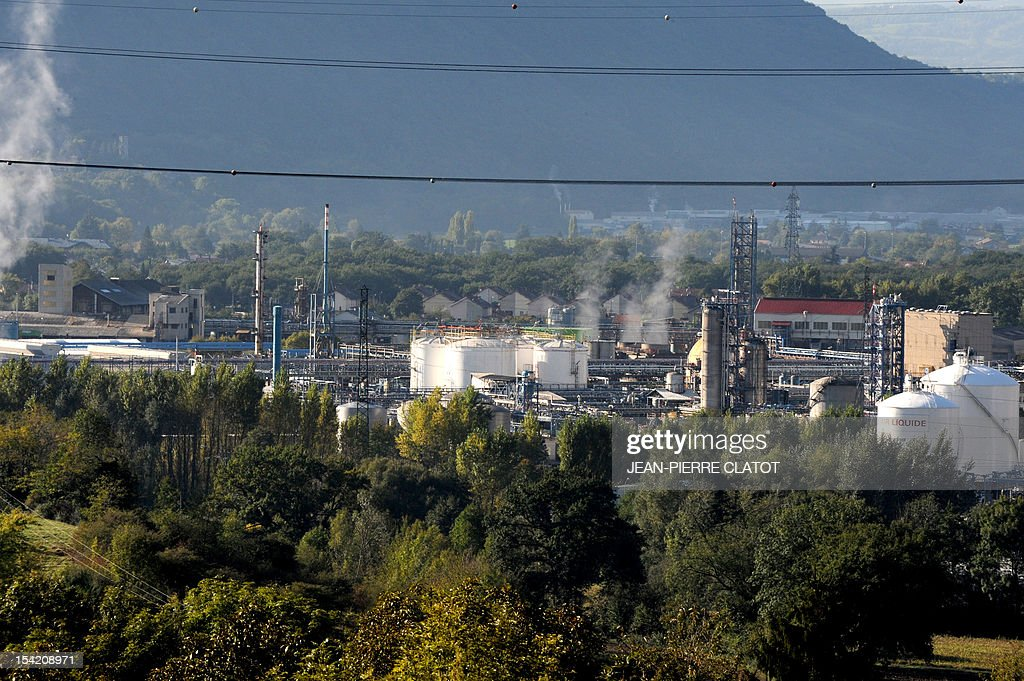 A picture taken on October 16, 2012 in Jarrie, southeastern France shows the Jarrie site of CEZUS, an AREVA group subsidiary and a global leader in the market for nuclear-grade zirconium. Zirconium is a metal used for fuel cladding, among other applications. The CEZUS Jarrie plant site produces zirconium sponge through a series of chemical operations and extractive metallurgy. It also recovers the by-products of zirconium manufacturing , such as hafnium, magnesium and silicon salts and oxides. AFP PHOTO / JEAN-PIERRE CLATOT
