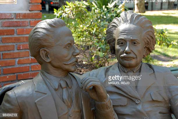 Picture taken on October 6 2008 of the sculpture representing a moment shared in 1925 by Uruguayan philosopher Carlos Vaz Ferreira and German...