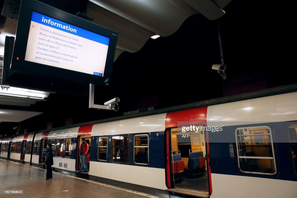 A picture taken on September 17, 2012 shows a RER commuting train stopping on a platform at the Gare du Nord railway station in Paris, after RER commuting trains were blocked for several hours due to an unexpected temporary strike of some SNCF agents. AFP PHOTO/ THOMAS SAMSON
