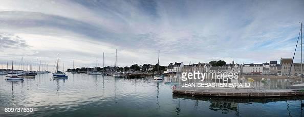 A picture taken on September 22 2016 shows the harbor of La TrinitesurMer western France / AFP / JEANSEBASTIEN EVRARD