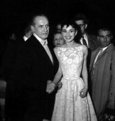 Actor Frederick March and actress Audrey Hepburn wearing a Givenchy gown during the 26th Annual Academy Awards in New York City on March 25 1954