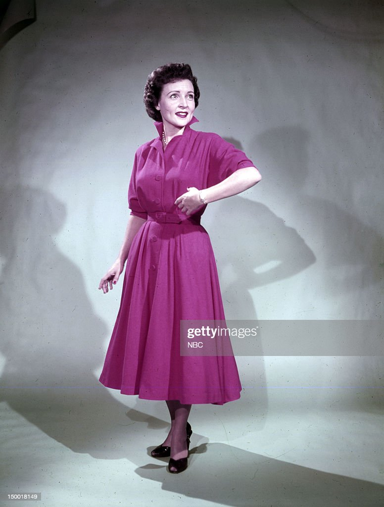 Actress <a gi-track='captionPersonalityLinkClicked' href=/galleries/search?phrase=Betty+White&family=editorial&specificpeople=213602 ng-click='$event.stopPropagation()'>Betty White</a> c. 1954 --