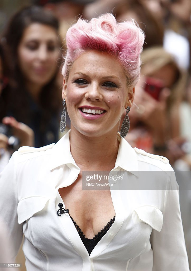 Alecia Beth Moore (<a gi-track='captionPersonalityLinkClicked' href=/galleries/search?phrase=Pink+-+Cantante&family=editorial&specificpeople=220194 ng-click='$event.stopPropagation()'>Pink</a>) appears on NBC News' 'Today' show --