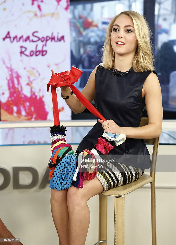 <a gi-track='captionPersonalityLinkClicked' href=/galleries/search?phrase=AnnaSophia+Robb&family=editorial&specificpeople=674007 ng-click='$event.stopPropagation()'>AnnaSophia Robb</a> appears on NBC News' 'Today' show --