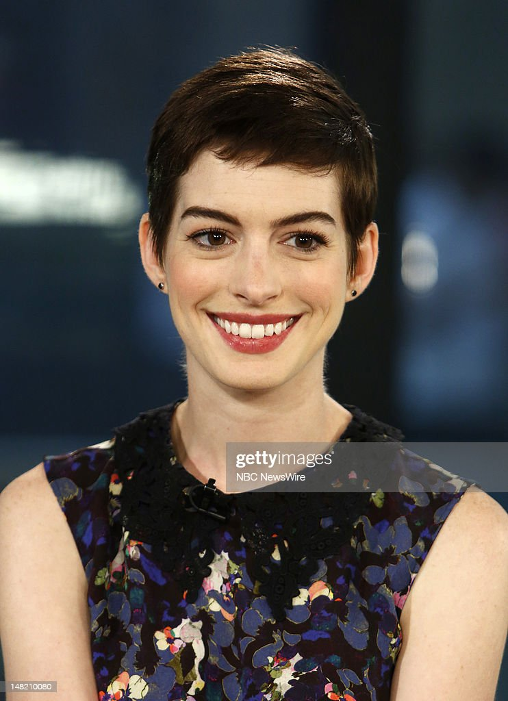 <a gi-track='captionPersonalityLinkClicked' href=/galleries/search?phrase=Anne+Hathaway+-+Actrice&family=editorial&specificpeople=11647173 ng-click='$event.stopPropagation()'>Anne Hathaway</a> appears on NBC News' 'Today' show --