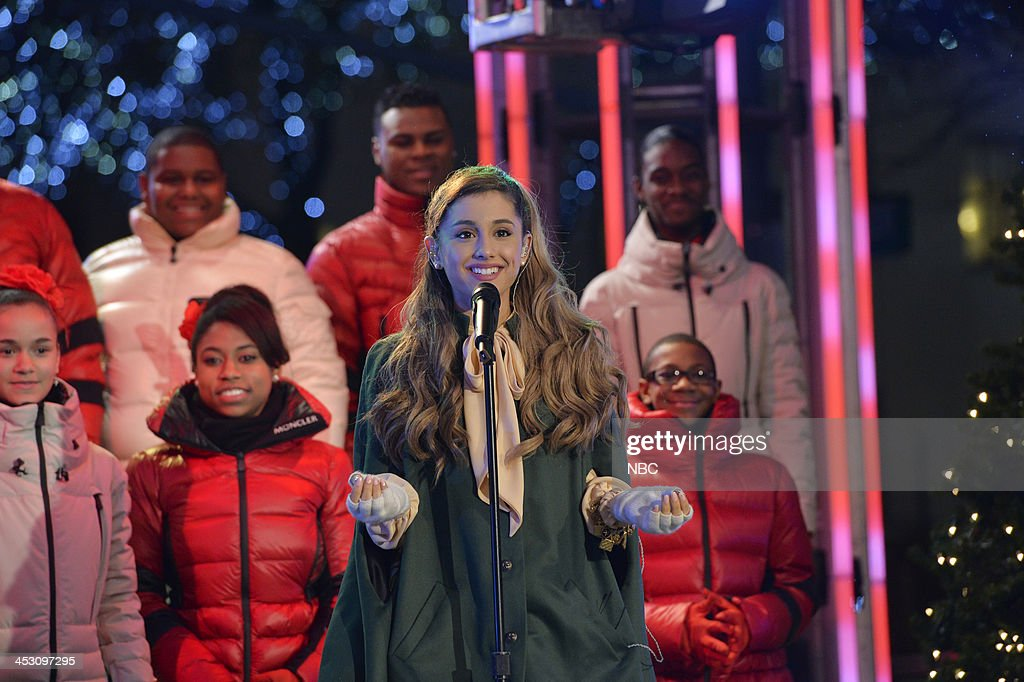 <a gi-track='captionPersonalityLinkClicked' href=/galleries/search?phrase=Ariana+Grande&family=editorial&specificpeople=5586219 ng-click='$event.stopPropagation()'>Ariana Grande</a> rehearses for 'Christmas in Rockefeller Center' --