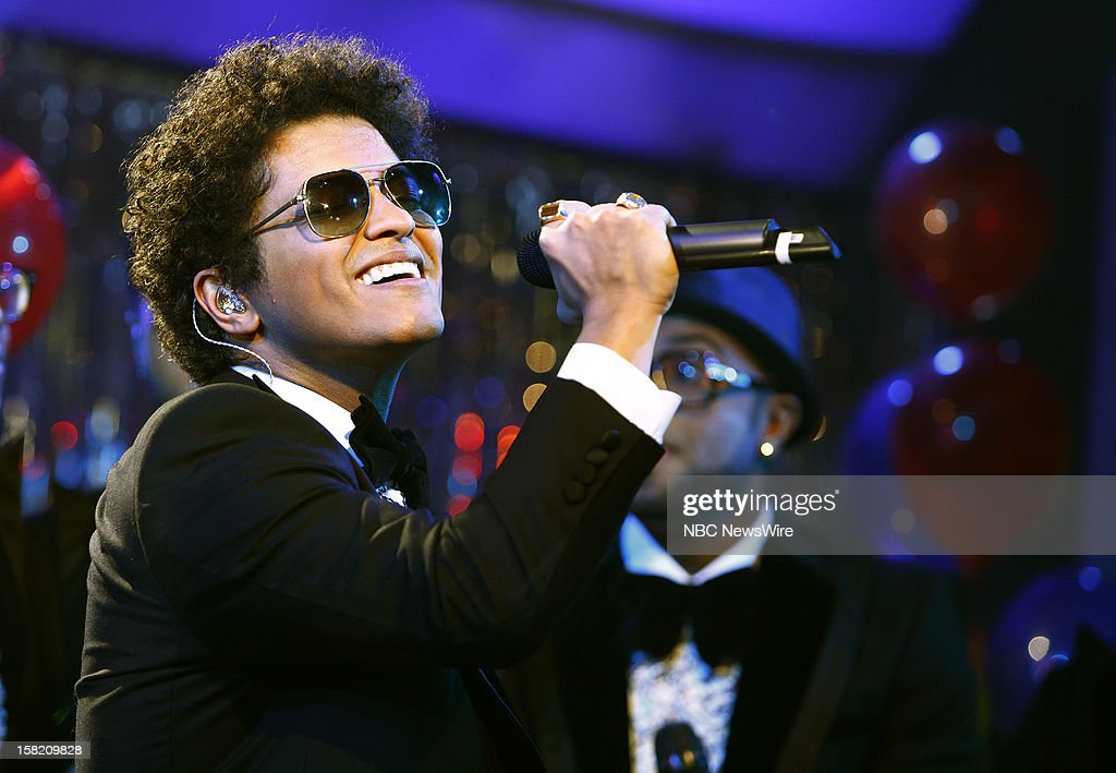 <a gi-track='captionPersonalityLinkClicked' href=/galleries/search?phrase=Bruno+Mars&family=editorial&specificpeople=6779692 ng-click='$event.stopPropagation()'>Bruno Mars</a> appears on NBC News' 'Today' show --