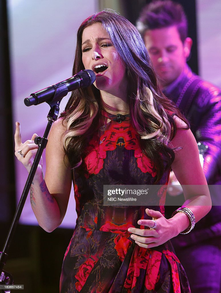 <a gi-track='captionPersonalityLinkClicked' href=/galleries/search?phrase=Cassadee+Pope&family=editorial&specificpeople=5613333 ng-click='$event.stopPropagation()'>Cassadee Pope</a> appears on NBC News' 'Today' show --
