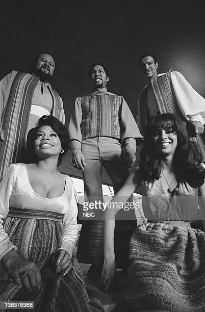 Florence LaRue Marilyn McCoo Ron Townson Billy Davis Jr and Lamonte McLemore of The Fifth Dimension during a special presentation of Grammy winning...