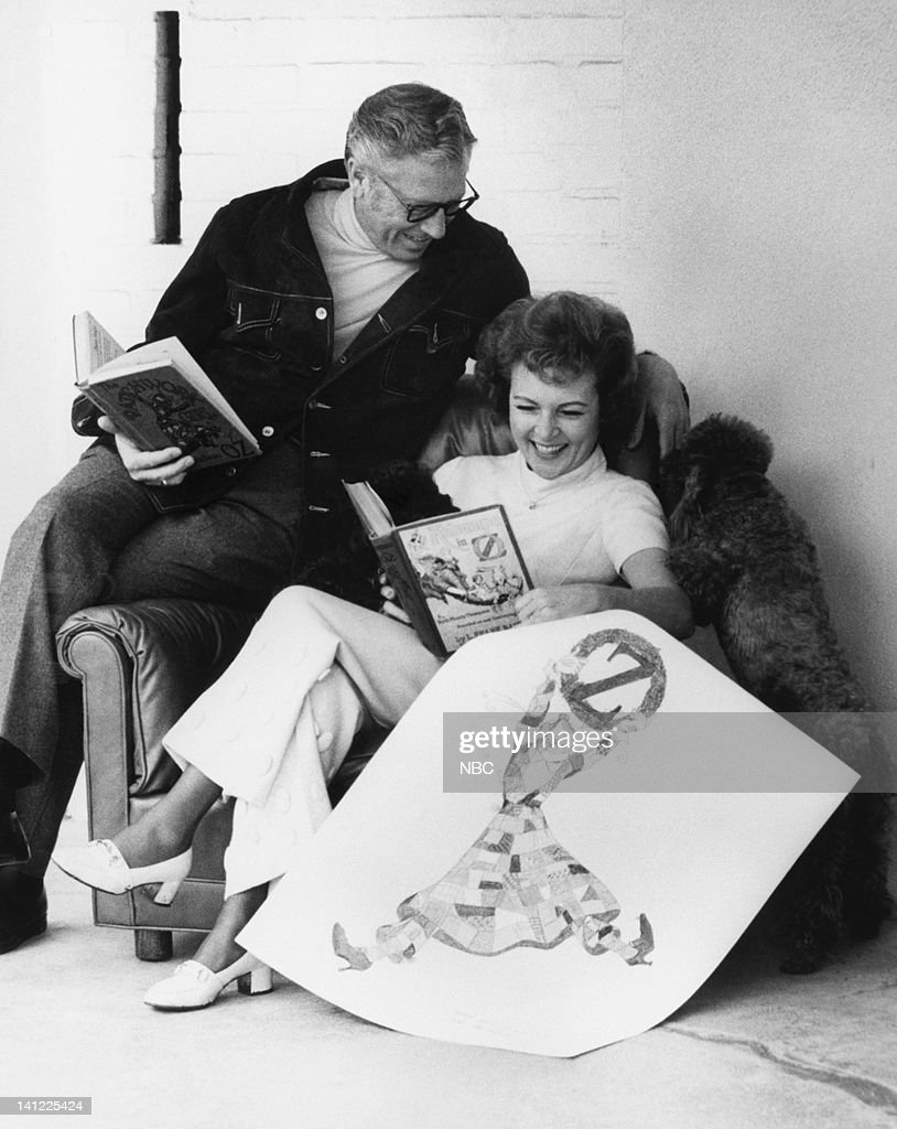 Game show host <a gi-track='captionPersonalityLinkClicked' href=/galleries/search?phrase=Allen+Ludden&family=editorial&specificpeople=1685352 ng-click='$event.stopPropagation()'>Allen Ludden</a> with wife actress/comedian <a gi-track='captionPersonalityLinkClicked' href=/galleries/search?phrase=Betty+White&family=editorial&specificpeople=213602 ng-click='$event.stopPropagation()'>Betty White</a> -- Photo by: NBCU Photo Bank
