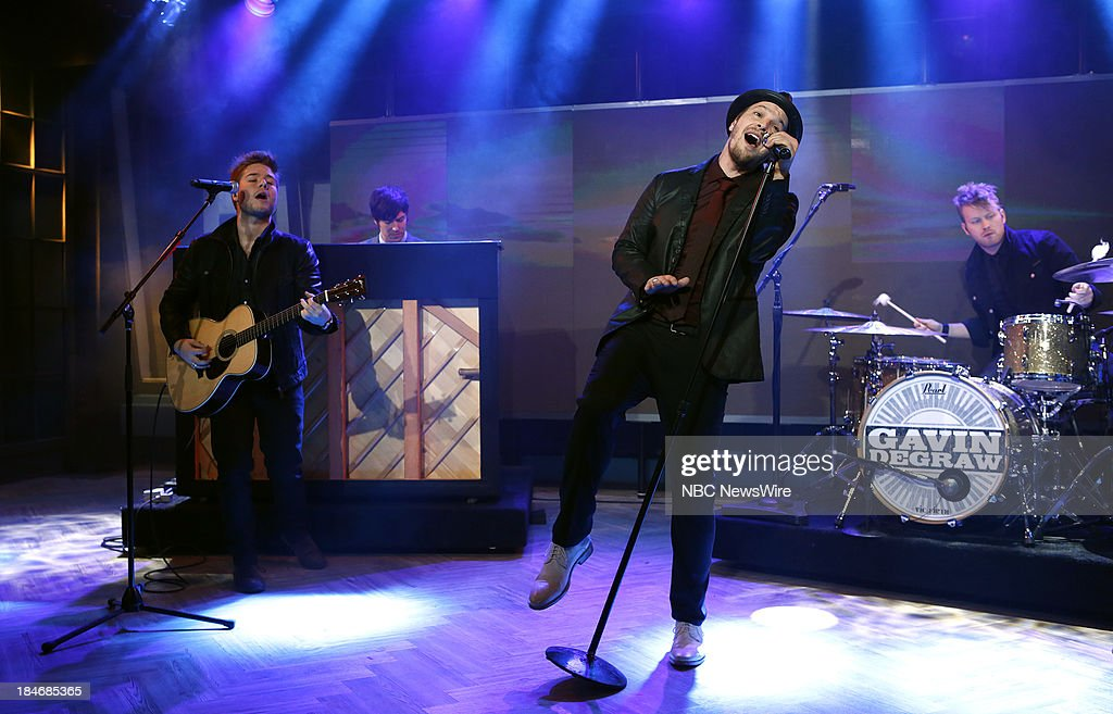 <a gi-track='captionPersonalityLinkClicked' href=/galleries/search?phrase=Gavin+DeGraw&family=editorial&specificpeople=203282 ng-click='$event.stopPropagation()'>Gavin DeGraw</a> appears on NBC News' 'Today' show --