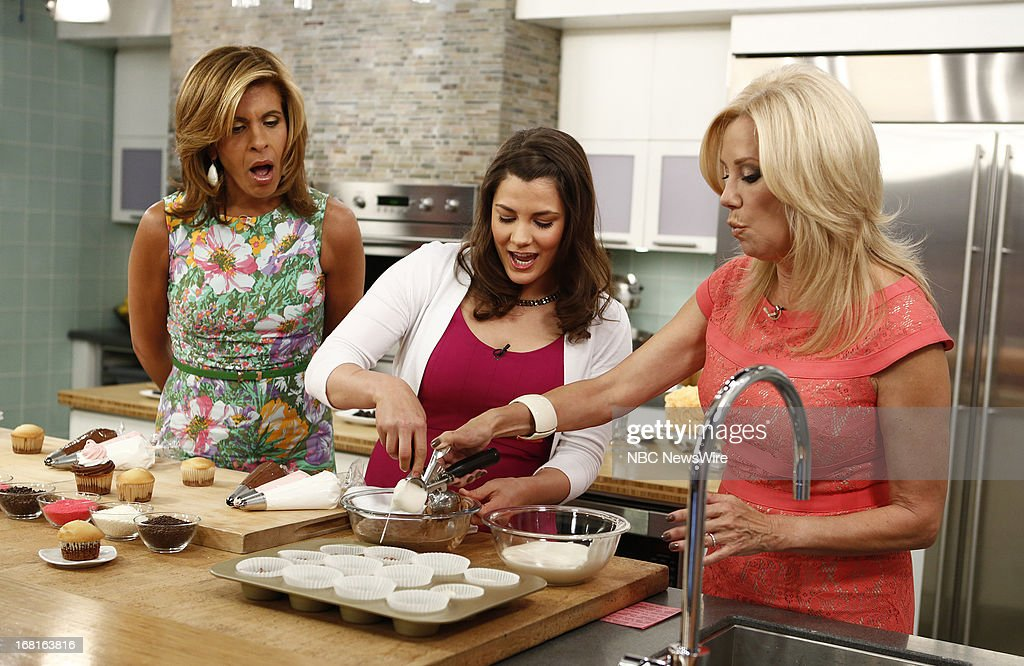 <a gi-track='captionPersonalityLinkClicked' href=/galleries/search?phrase=Hoda+Kotb&family=editorial&specificpeople=2338013 ng-click='$event.stopPropagation()'>Hoda Kotb</a>, Betty Crocker's Kristen Olson and <a gi-track='captionPersonalityLinkClicked' href=/galleries/search?phrase=Kathie+Lee+Gifford&family=editorial&specificpeople=203269 ng-click='$event.stopPropagation()'>Kathie Lee Gifford</a> appear on NBC News' 'Today' show on May 6, 2013 --