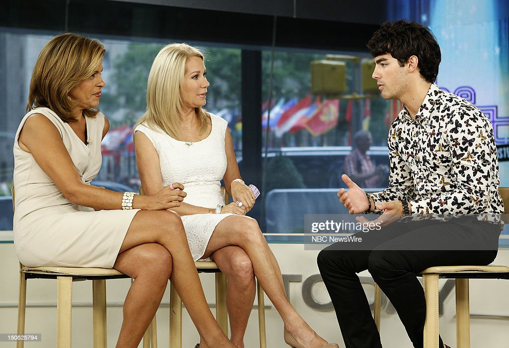 Nbc 39 s today with guests jonas brothers bradley cooper - Nbc today show kathie lee and hoda ...