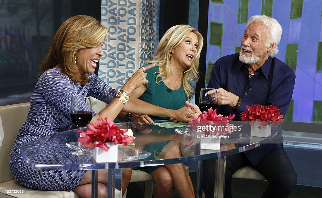 <a gi-track='captionPersonalityLinkClicked' href=/galleries/search?phrase=Hoda+Kotb&family=editorial&specificpeople=2338013 ng-click='$event.stopPropagation()'>Hoda Kotb</a>, <a gi-track='captionPersonalityLinkClicked' href=/galleries/search?phrase=Kathie+Lee+Gifford&family=editorial&specificpeople=203269 ng-click='$event.stopPropagation()'>Kathie Lee Gifford</a> and Kenny Rogers appear on NBC News' 'Today' show --