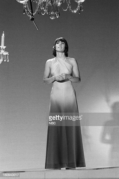 Host Helen Reddy