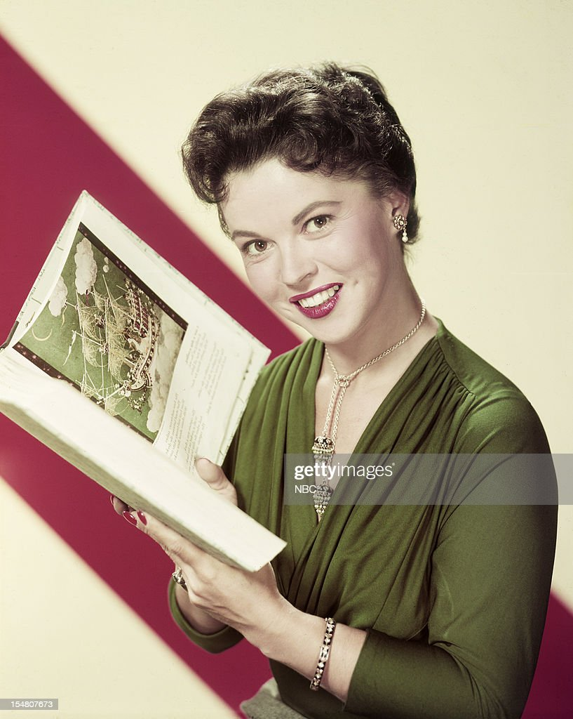 Host <a gi-track='captionPersonalityLinkClicked' href=/galleries/search?phrase=Shirley+Temple&family=editorial&specificpeople=69996 ng-click='$event.stopPropagation()'>Shirley Temple</a> --