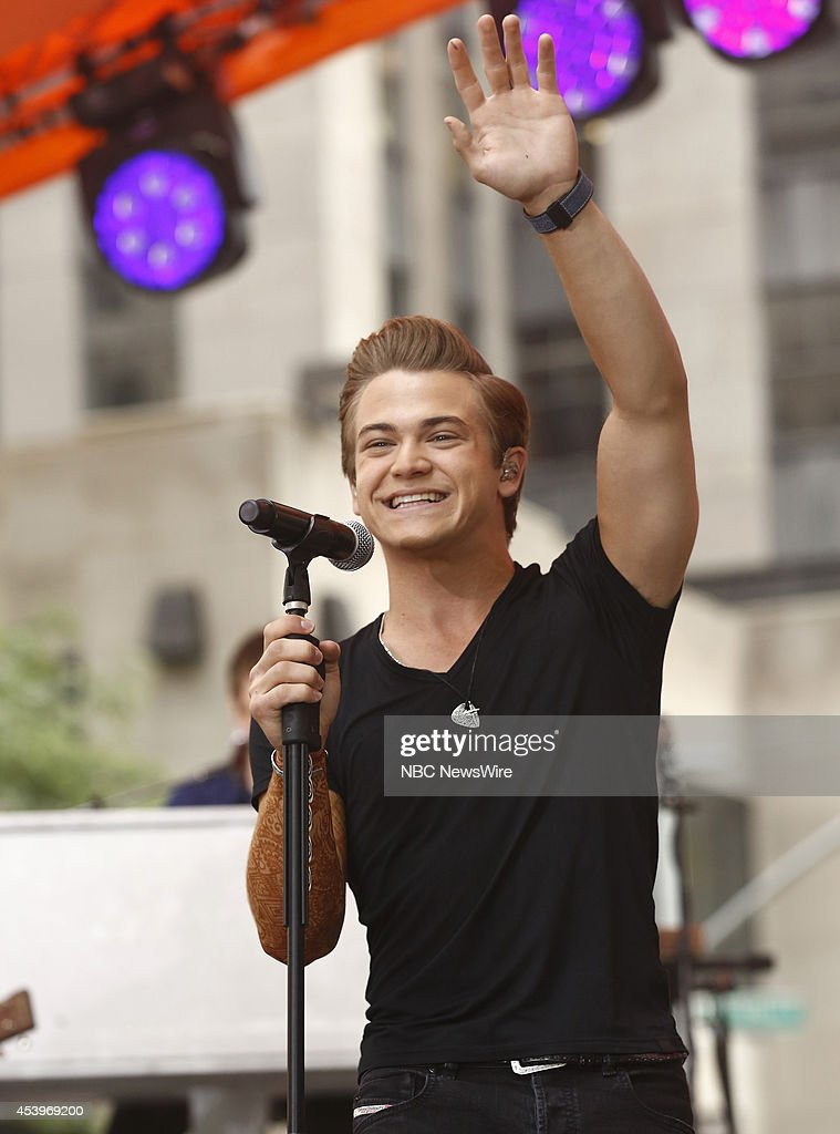 <a gi-track='captionPersonalityLinkClicked' href=/galleries/search?phrase=Hunter+Hayes&family=editorial&specificpeople=3290701 ng-click='$event.stopPropagation()'>Hunter Hayes</a> appears on NBC News' 'Today' show --