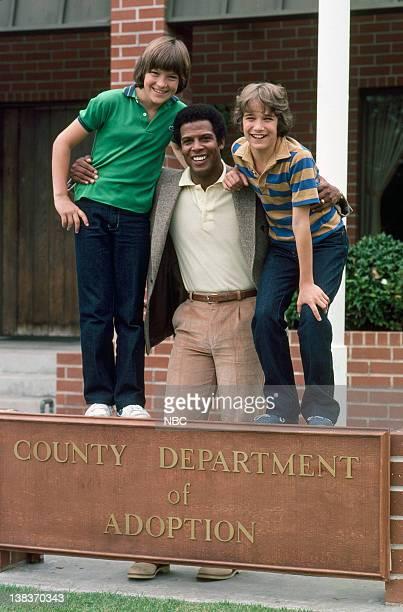 Jason Bateman as Dory Jr Michael Warren as Sidney Phillips David Hollander as Michael