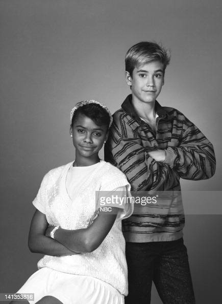 mark paul gosselaar and lark voorhies relationship