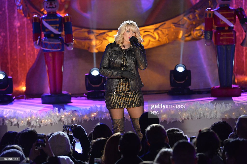 <a gi-track='captionPersonalityLinkClicked' href=/galleries/search?phrase=Lauren+Alaina&family=editorial&specificpeople=7520947 ng-click='$event.stopPropagation()'>Lauren Alaina</a> --