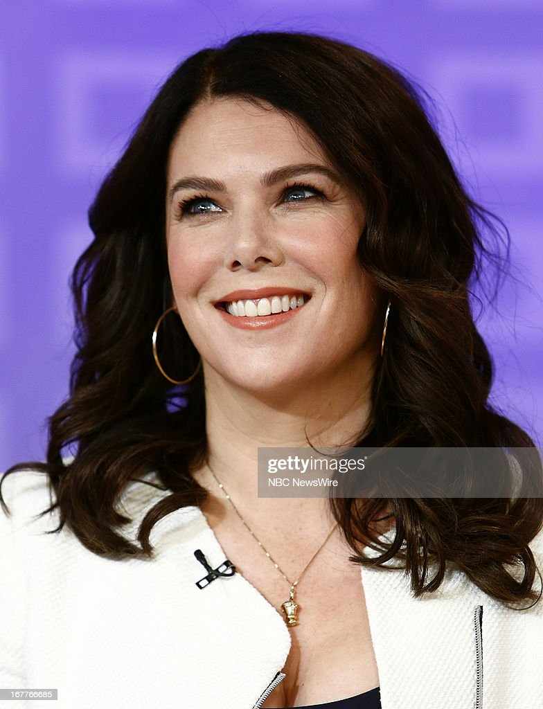 <a gi-track='captionPersonalityLinkClicked' href=/galleries/search?phrase=Lauren+Graham&family=editorial&specificpeople=206505 ng-click='$event.stopPropagation()'>Lauren Graham</a> appears on NBC News' 'Today' show --