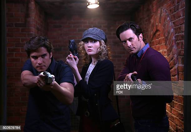 Pictured LR Diego Boneta as Pete Skyler Samuels as Grace and Oliver Hudson as Wes in the 'Pumpkin Patch' episode of SCREAM QUEENS airing Tuesday Oct...